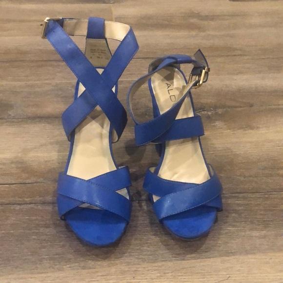 Vibrant blue brand new sandals